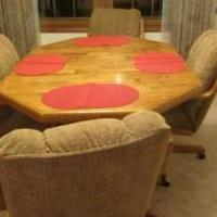 Oak Dining Table with 4 upholstered chairs for sale in Bartlett IL by Garage Sale Showcase member MarieAnn1, posted 01/13/2020