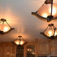 Pendant ceiling lights for sale in Winter Park CO by Garage Sale Showcase member AlexDeleon, posted 01/29/2020