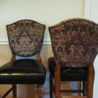 Bar chairs for sale in Kirtland OH by Garage Sale Showcase member Melsplace, posted 08/31/2019