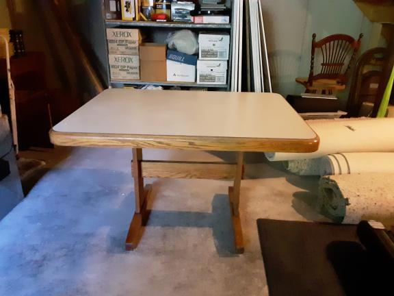 Oak kitchen table & 4 chairs for sale in Schoharie NY