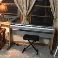 Electric piano for sale in Bracey VA by Garage Sale Showcase member Brenda23919, posted 12/09/2019