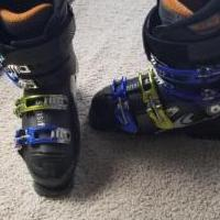 Ski boots for sale in Grand Lake CO by Garage Sale Showcase member Craig1, posted 12/02/2019