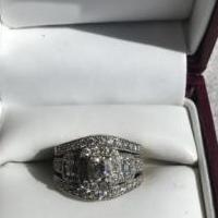 Diamond Engagement Ring w/band for sale in Moose Lake, Mn MN by Garage Sale Showcase member Jarhead78, posted 12/03/2019