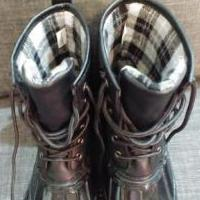 New Via Pinky Snow Boots for sale in Tyler TX by Garage Sale Showcase member bmac8293, posted 01/25/2020