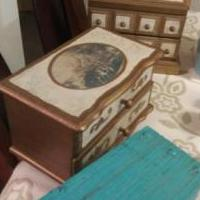 Antique Jewery Boxes for sale in Owatonna MN by Garage Sale Showcase member Doofydragon, posted 10/21/2019