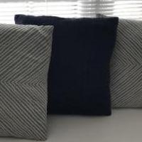 5 pillows with washable covers for sale in Paramus NJ by Garage Sale Showcase member Par007, posted 01/19/2020