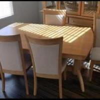 Dining room set for sale in Woodstock IL by Garage Sale Showcase member Cyndi847, posted 01/29/2020