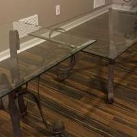 Glass Coffee table and end tables for sale in Woodstock IL by Garage Sale Showcase member Cyndi847, posted 01/29/2020