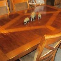 Dining room table for sale in Fillmore IN by Garage Sale Showcase member tyler43, posted 11/20/2020