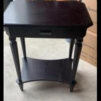 Accent table for sale in Matawan NJ by Garage Sale Showcase member Lppflug, posted 08/30/2020