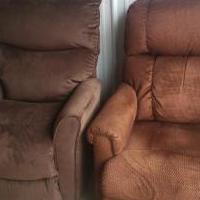 Lazy Boy Power Recliner for sale in Meeker County MN by Garage Sale Showcase member scottalannel, posted 05/11/2020