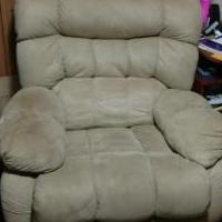 Comfy Recliner for sale in Randolph County GA by Garage Sale Showcase member coachandrews, posted 03/01/2020