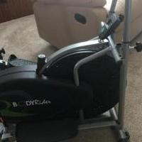 Elliptical exerciser for sale in Mooresville IN by Garage Sale Showcase member Pookiess1, posted 02/17/2020