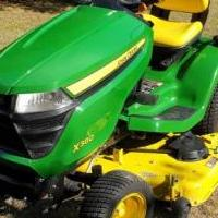 John Deere X380 Lawn Tractor for sale in Kerrville TX by Garage Sale Showcase member t16043, posted 09/08/2020