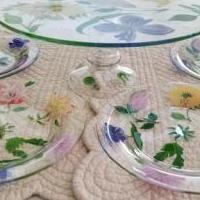 Hand painted cake plate with 4 plates for sale in Statesboro GA by Garage Sale Showcase member wiggles4321, posted 07/19/2020