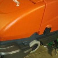 "Phoenix 33"" Auto scrubber walkbehind for sale in Carpentersville IL by Garage Sale Showcase member jsouza, posted 05/17/2020"