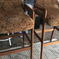 Bar stools set of 2 for sale in River Vale NJ by Garage Sale Showcase member Siegel0921, posted 05/31/2020