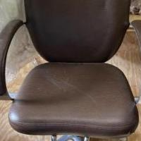 4 Brown Hydraulic Chairs w/ Mats for sale in Longview TX by Garage Sale Showcase member lionessontherising, posted 06/02/2020