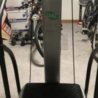 Zaaz Whole Body Vibration Machine for sale in Scotrun PA by Garage Sale Showcase member Osomide, posted 10/06/2020