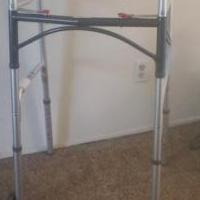 Drive Medical Deluxe Walker for sale in Grass Valley CA by Garage Sale Showcase member beatrezm, posted 04/19/2020