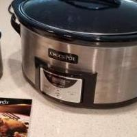 Large Crockpot and dipping pot for sale in Lehigh Acres FL by Garage Sale Showcase member clganley, posted 10/17/2020