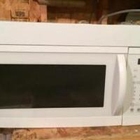 Microwave for sale in Cedar County IA by Garage Sale Showcase Member Spike2008