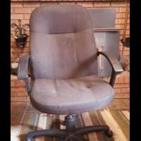 Rolling office chair for sale in Emery County UT by Garage Sale Showcase Member Wmfauver