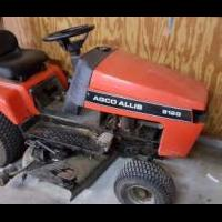 Lawn tractor - Agco Allis 512G for sale in Bluffton IN by Garage Sale Showcase Member SharonMim