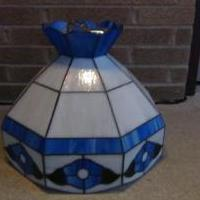 Tiffany Style Kitchen Hanging Lamp for sale in Norwalk OH by Garage Sale Showcase Member RM Norwalk Ohio