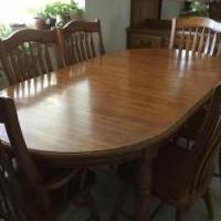 Wood Table & Chairs for sale in Turlock CA by Garage Sale Showcase Member Rerun70