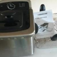 Electric Fryer for sale in Middleburg FL by Garage Sale Showcase member Cynthia, posted 10/05/2018