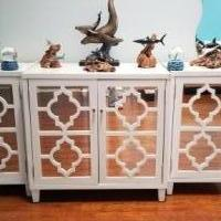 Console cabinet with 2 end tables for sale in Sarasota FL by Garage Sale Showcase member Cwilliams7262@gmail.com, posted 06/28/2018