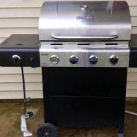 Gas grill for sale in Fort Knox KY by Garage Sale Showcase member Chem1978, posted 08/18/2018