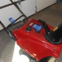 Toro Snow Blower for sale in Bluffton IN by Garage Sale Showcase member Crabbyroad, posted 03/18/2018
