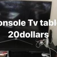 Tv stand for sale in Drexel Hill PA by Garage Sale Showcase member Bijouti, posted 05/27/2018
