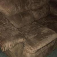 Loveseat for sale in Summit Hill PA by Garage Sale Showcase member 80dorsey, posted 07/10/2018