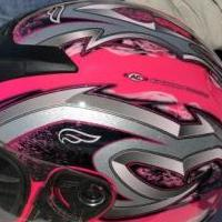 Women's Large Motorcycle Helmet for sale in Columbus IN by Garage Sale Showcase member Takkybug, posted 09/23/2018