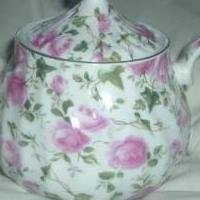 Victorian Porcelain Tea Pot for sale in Montague MI by Garage Sale Showcase member suziblue, posted 04/08/2018