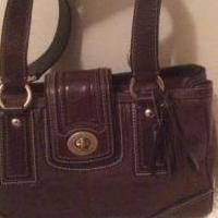 Coach Hampton Signature Leather Handbag for sale in Roseville MI by Garage Sale Showcase member Elle514, posted 04/09/2018