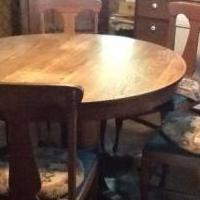 Old Oak table & 6 chairs for sale in St Louis MI by Garage Sale Showcase member Kennyb, posted 03/24/2018