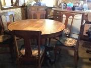 Old Oak table & 6 chairs for sale in St Louis MI