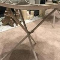 End tables for sale in Westampton NJ by Garage Sale Showcase member Rrams1319, posted 06/25/2018