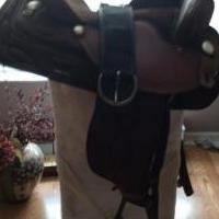 Western pleasure saddle for sale in Naples FL by Garage Sale Showcase member mihellings, posted 05/07/2018