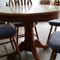 "42"" Round tile top pedistal table + 4 chairs for sale in Pinehurst NC by Garage Sale Showcase member susan1, posted 05/28/2018"