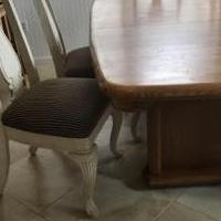 Dining table for sale in Dunedin FL by Garage Sale Showcase member Barbaraflga, posted 06/07/2018