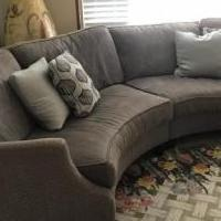Sectional sofa for sale in Dunedin FL by Garage Sale Showcase member Barbaraflga, posted 06/07/2018