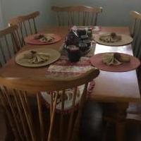 Dining room table with 6 chairs for sale in Newland NC by Garage Sale Showcase member Wesleydeal, posted 04/29/2018