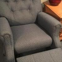 Recliner for sale in Newland NC by Garage Sale Showcase member Wesleydeal, posted 04/29/2018