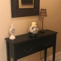 Accent table for sale in Buffalo Grove IL by Garage Sale Showcase member probbq@sbcglobal.net, posted 07/20/2018